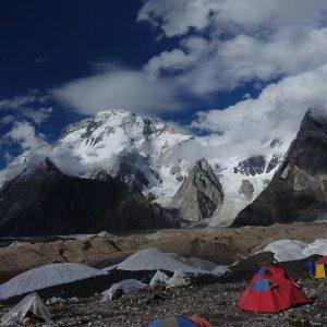 broad peak camping